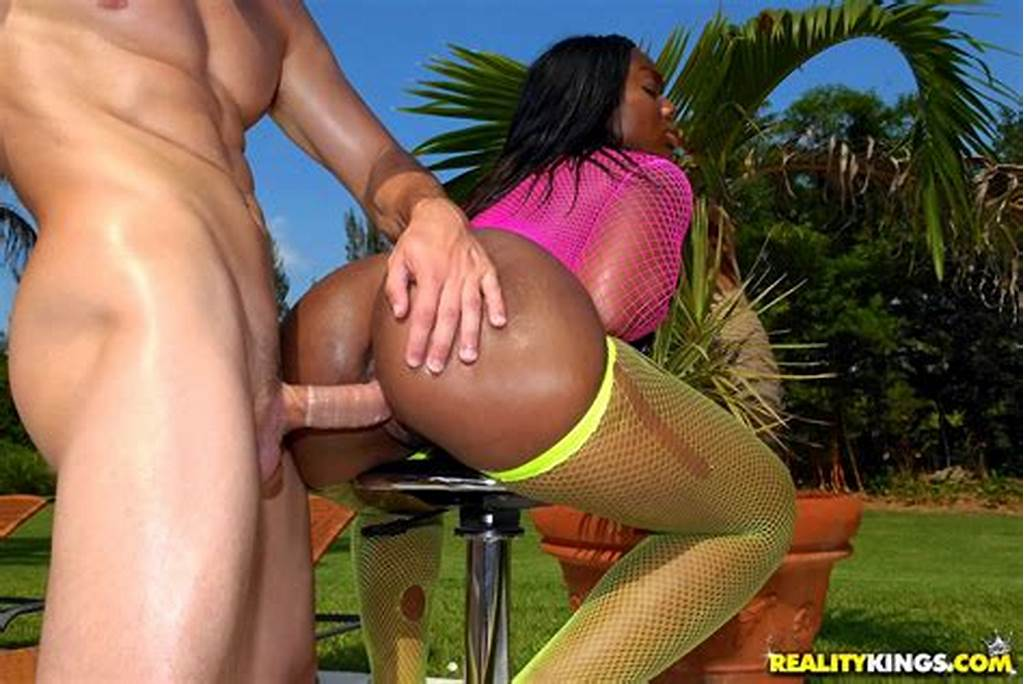 #Super #Fine #Big #Round #Black #Ass #Babe #Gets #Nailed #Hard #In