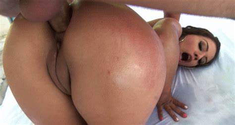 Coco De Mal Takes Dildo Up Her Cunt A Lot
