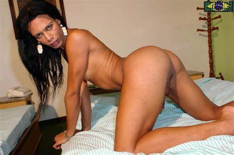 Brazil Shemale Girl Oral On Spycam