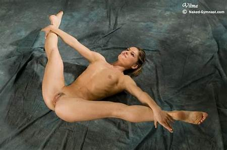 Teenage Dancers Nude