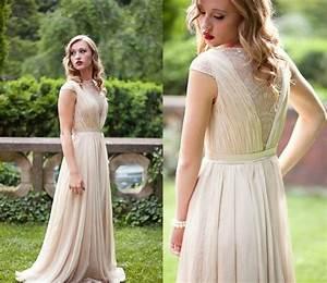 Brautkleid Vintage Schlicht : brautkleid mit akzent im r cken 64 traumhafte anregungen ~ Watch28wear.com Haus und Dekorationen