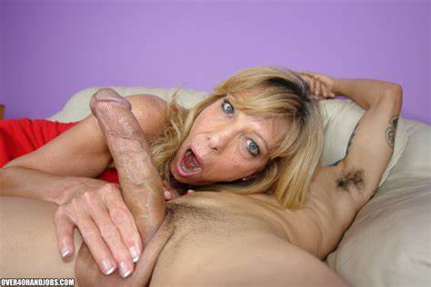 Aunties Small Dick Cougar Matures Foxy