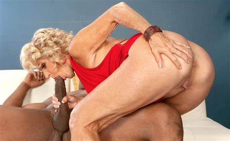 Granny Likes Giant Negress Dick hgr2011gf02659