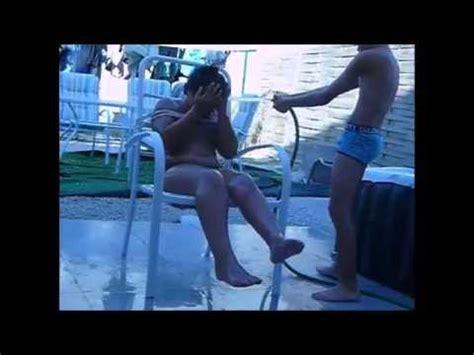 faire l amour sur une chaise défi 2 se faire arrosé sur une chaise attaché