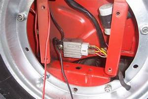 Modern Vespa   4 Pole  2 Yellow Wire Voltage Regulator