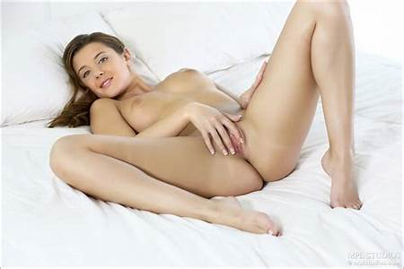 Erotic Teen Nude Model