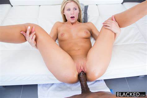 Blondes Girlfriend Likes Penis