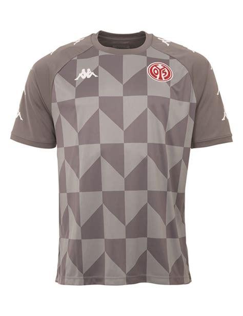 Ich dachte schon das ist das neue nationaltrikot von rumänien. FSV Mainz 05 Voetbalshirts 2020/2021 - Voetbalbibliotheek