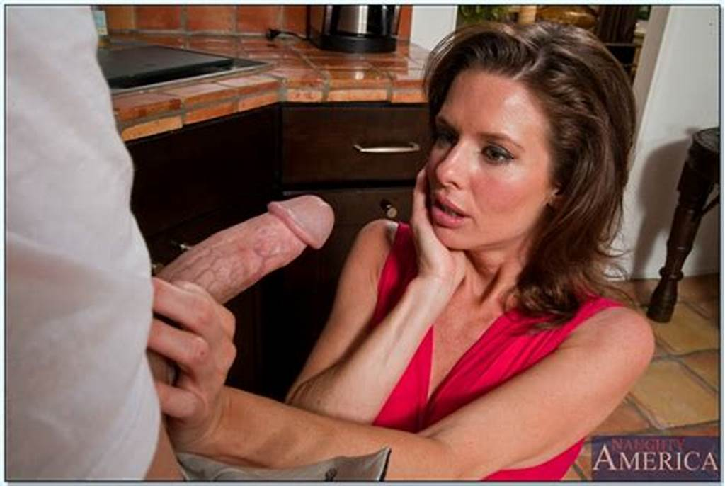 #Milf #With #Big #Melons #Veronica #Avluv #Fucking #Hard #With #A