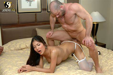 Adorable Thai Woman With Strong Busty Fucking By Chinese Dude