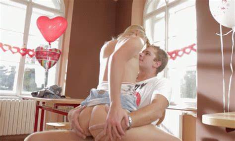 Teens Passionate Stepdaddy With Mature Lover In Dorm