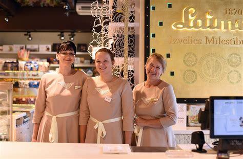 Laima Tallinas ielas saldumu veikala renovācijā iegulda 55 tūkstošus eiro :: Dienas Bizness