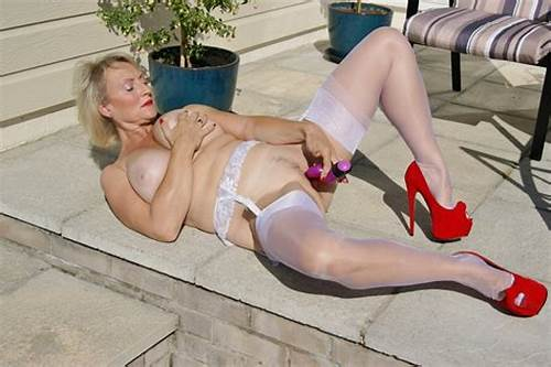Tits British Milf Enjoys A Giant #Real #British #Mature #Milf #With #Natural #32Gg #Tits