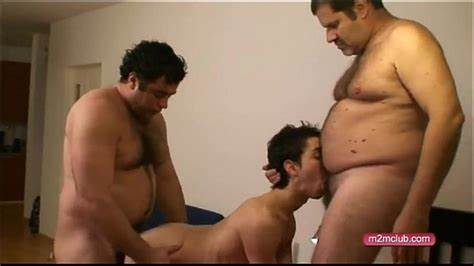 Papa Bear Can Fuck By 2 Twinks