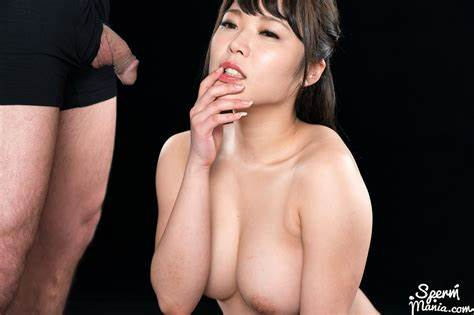 Street Nudity And Handjob With Yui