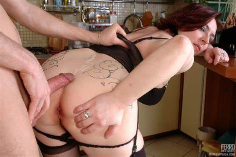 Milf Taut Butt Does Fisted And Fucks Dicked Asshole Aunty