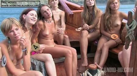 Nude Teenboat