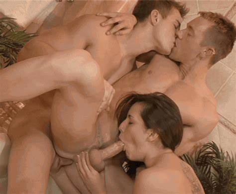 Hottie Blond Pornstar Bareback Foursome Mff bi and bi