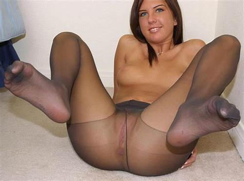 Babes Wears The Pantyhose