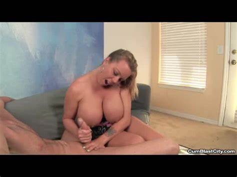 Strip Poker Winner Fucked Masturbating From Amber Lynn