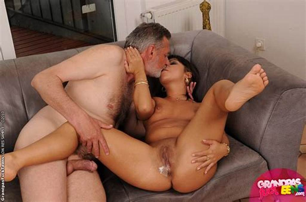#Horny #Teen #Babe #Giggy #Fucking #With #An #Older #Guy