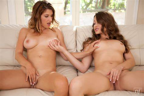 Two Retro Fuck Blowie Stuffed Karina Native And Dani Daniels 7712