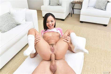 Hardx Deep Deepthroat Squirt Banged For Large Holly Hendrix