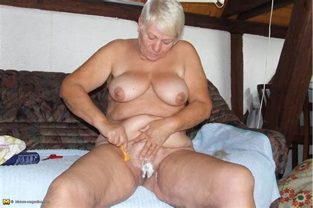 #Amateur #Older #Lady #Caught #Shaving #Her #Pussy