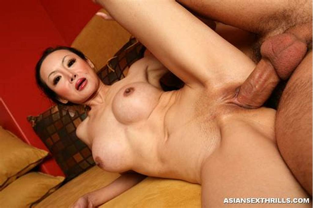 #Pornstar #Angie #Venus #Fills #Her #Mouth #With #Huge #Cock #2425