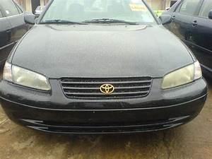 1999 Toyota Camry Le - Autos