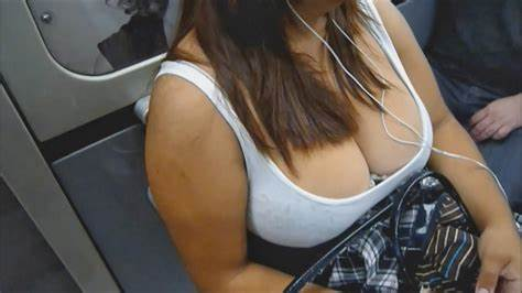 Cleavage No Skirt In Supermarket Candid Street Tit