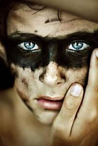 Chart Tradução Top 10 Most Beautiful Portraits Of Blue Eyed People