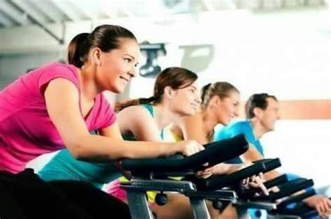 ออกกำลังกายตอนเช้าหรือตอนเย็นดี..?? โดยหมอเสก จุฬาฯ