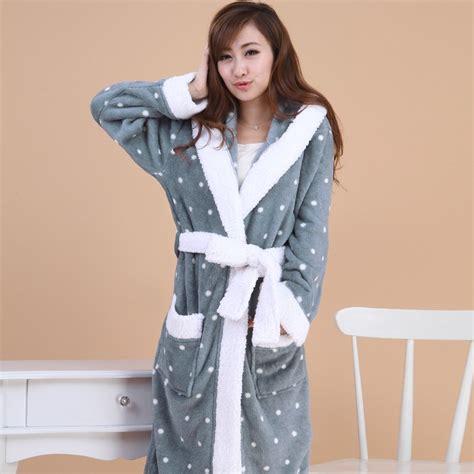 femme de chambre chaude robe de chambre polaire homme avec capuche