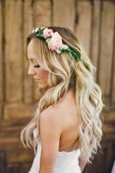 33 Wedding Hairstyles With Flowers Romantic wedding hair