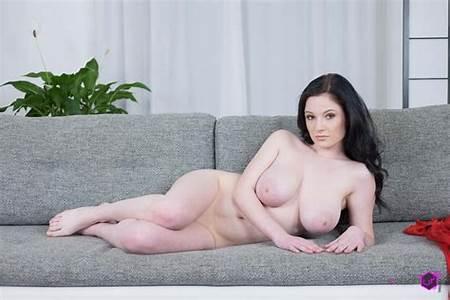 Nude Princess Teen