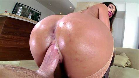 Penis Fresh From Her Asshole Cums In Mouth