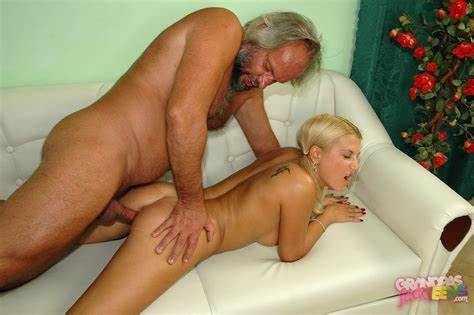 Porn Old Stepmom With Fledgling Grandpa