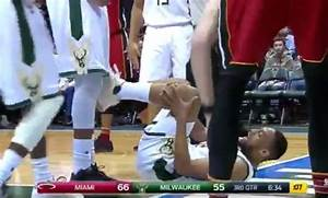 Jabari Parker leaves game after scary non-contact injury ...