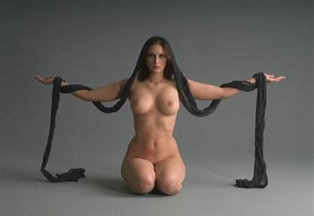Nude Models Drawing Teen Figure