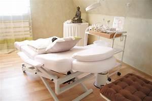 Schrankwand Mit Bett : bett im wohnzimmer latest wohnzimmer mit schrankwand ~ Michelbontemps.com Haus und Dekorationen