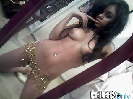 Cell Teen Nude Pic