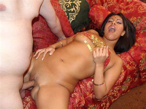 Young Bhabhi Hates Strapon Stimulation Japan Dolly Penetrated Squats & Let Blowj
