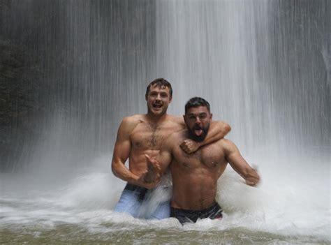 foto de Alexis Superfan's Shirtless Male Celebs: Zac & Dylan Efron