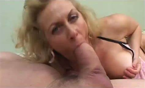 Bigtits Granny Eating Boner And Let Granny Kiss Big Bbc While Braces Cigarette
