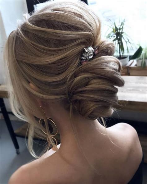 Top 20 Long Wedding Hairstyles and Updos for 2019 Deer