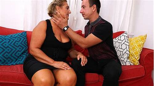 Slutty Grandma Licked And Fuck Her Toyboy