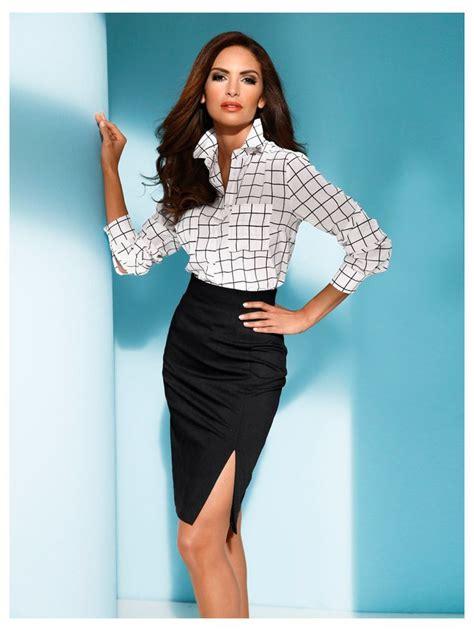 femme au bureau les 25 meilleures idées concernant jupe à taille haute sur maxi jupes jupes maxi