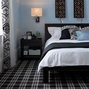 Decorating bedroom with black white and blue black and for Light blue and black bedroom
