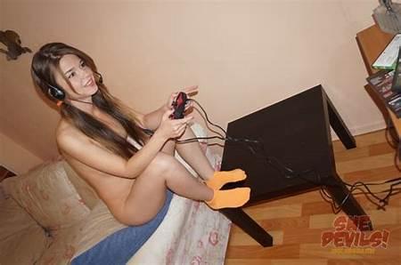 Nude Game Teen